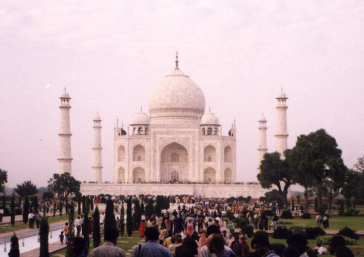 Taj Mahal on a busy day